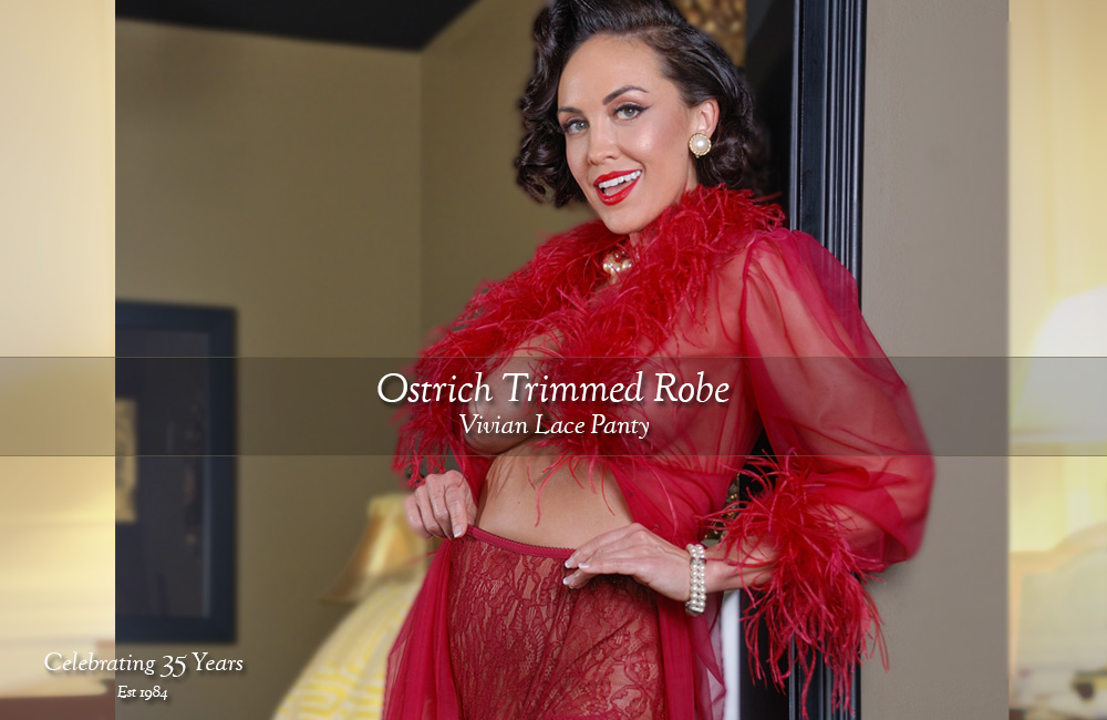 Ostric robe red